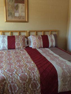 Large One Bedroom Bung_Bedroom (4)